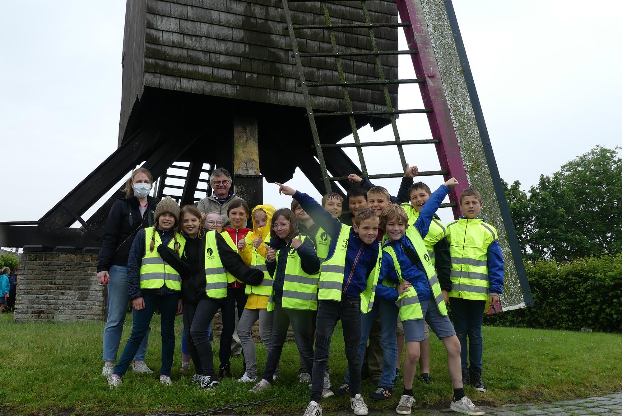 Mooie afsluiter van het schooljaar met een bezoek aan De Meestersmolen te Oostvleteren
